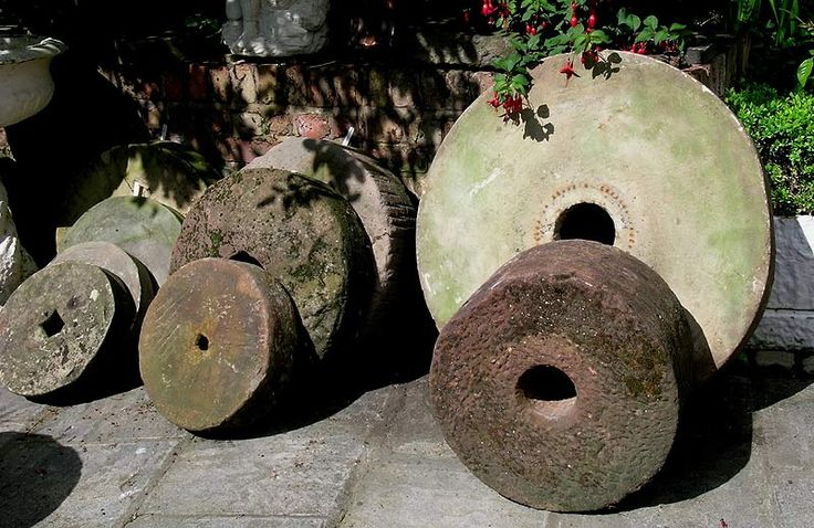 Millstones in the Garden, Thinking Outside the Boxwood